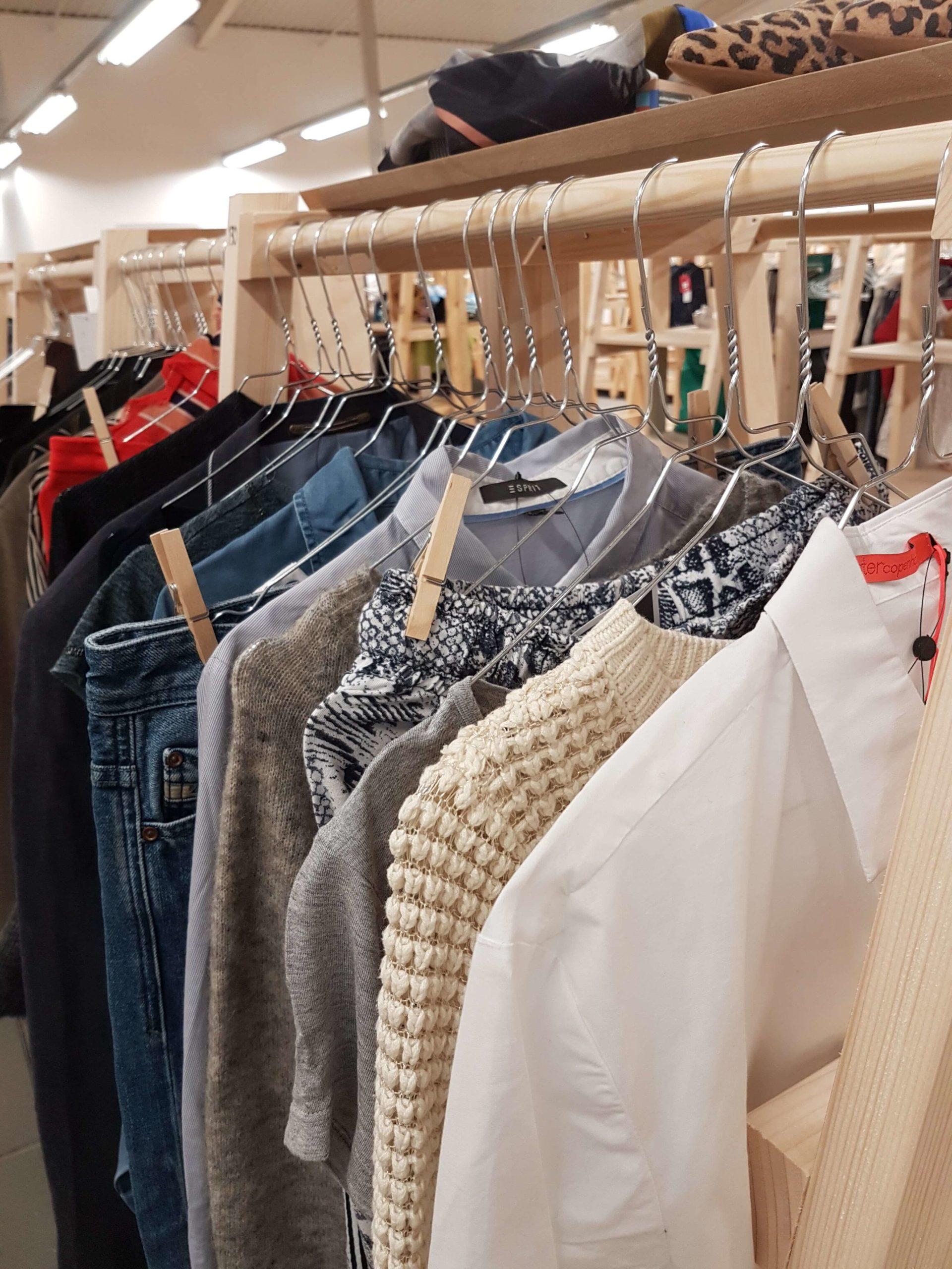 Reshoppit Horsens kapsel garderobe capsule wardrobe minimalisme second hand fejlkøb